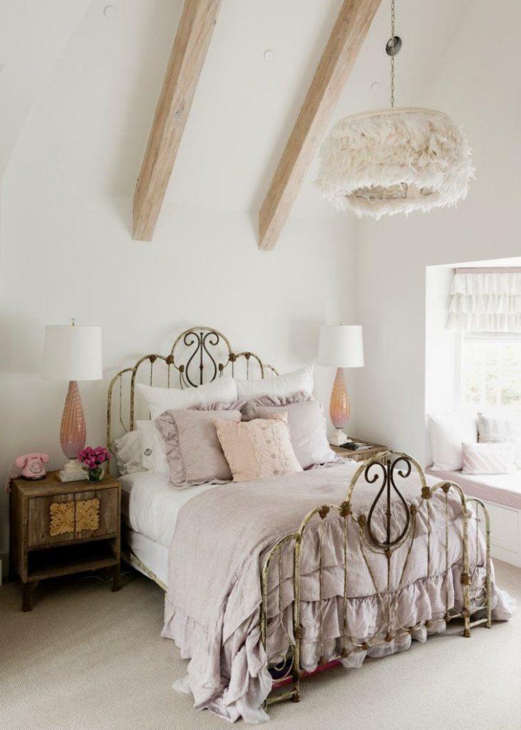 lit pour une chambre vintage
