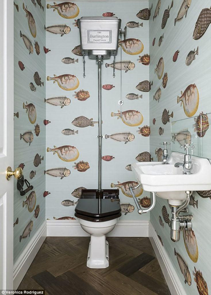 revêtement mural pour toilette
